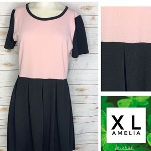 XL Amelia solid light pink and black  w/pockets